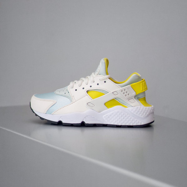 detailed look ff8eb 2e694 NIKE NIKE AIR HUARACHE RUN PRM