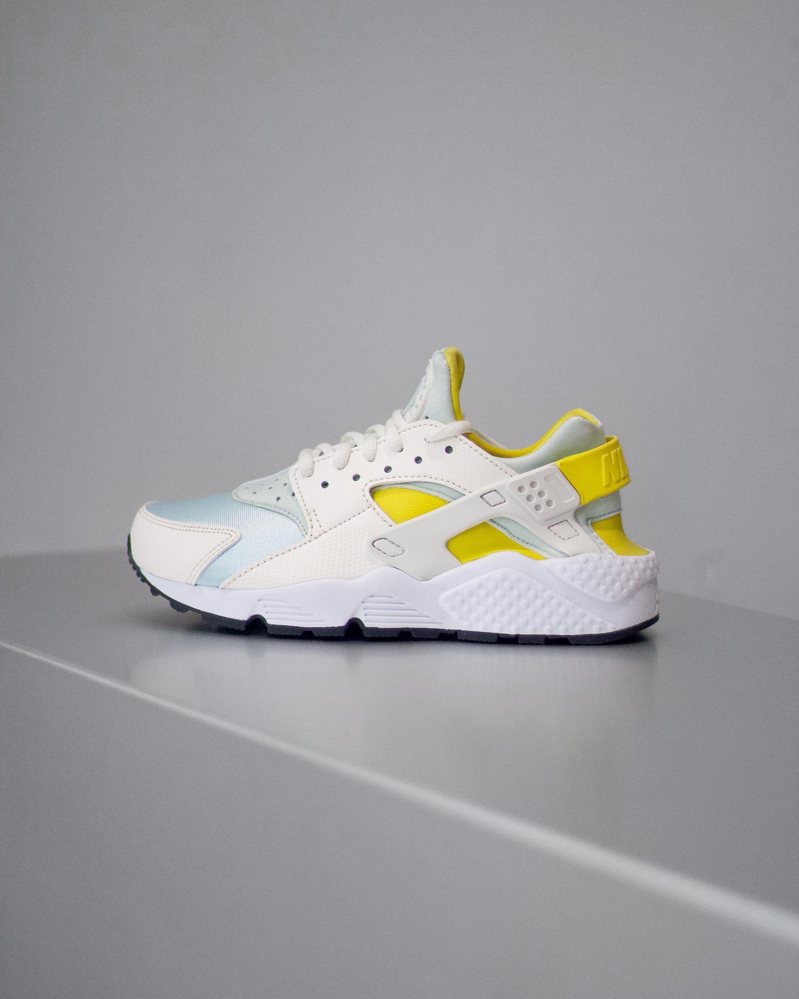f27a1e2a454f NIKE AIR HUARACHE RUN PRM - Sneaker Room - Jersey City