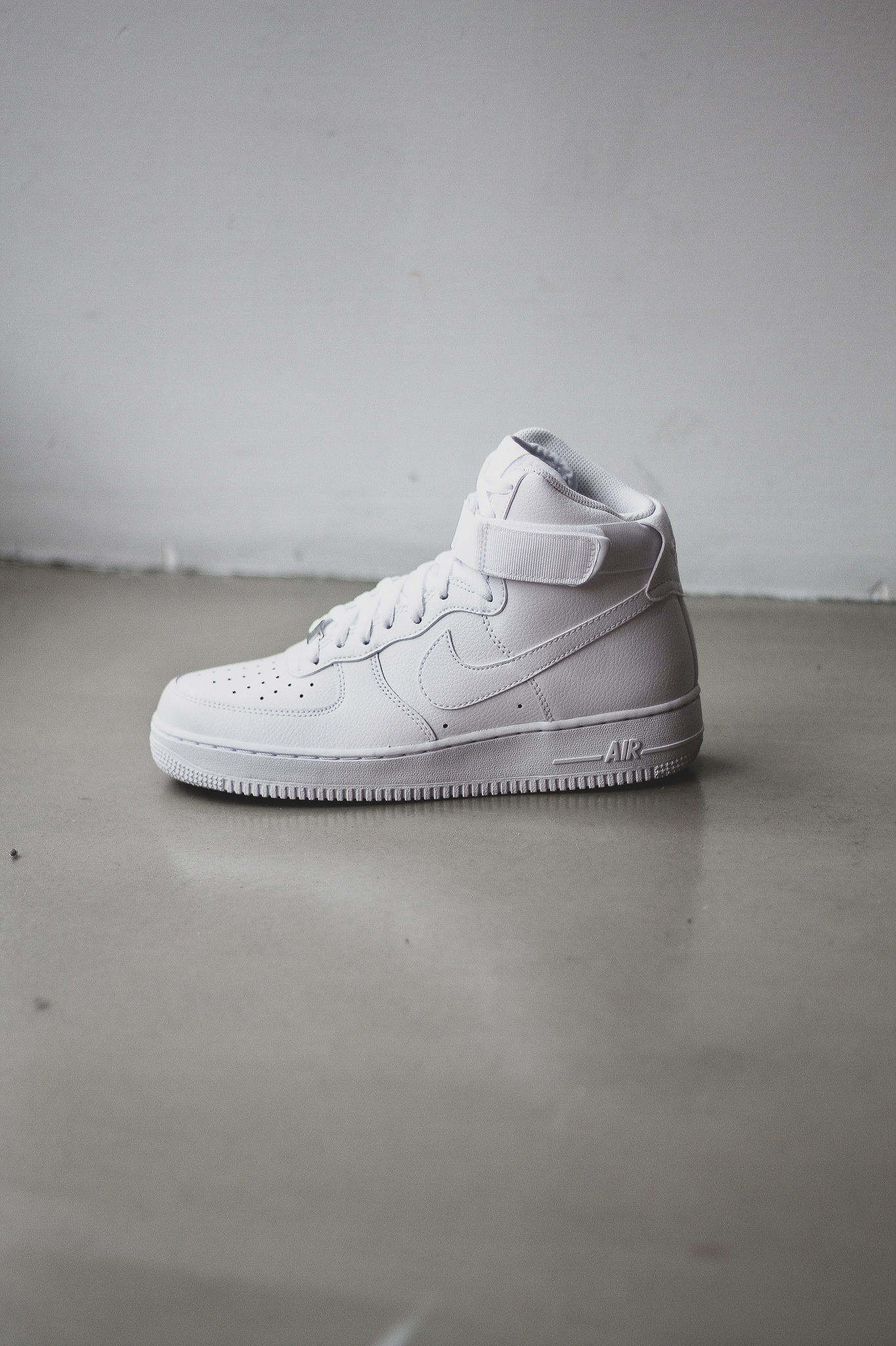 designer fashion 7ee91 488b4 AIR FORCE 1 HIGH - WHITE - Sneaker Room - Jersey City