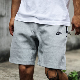 NIKE NSW TECH FLC SHORT - GREY