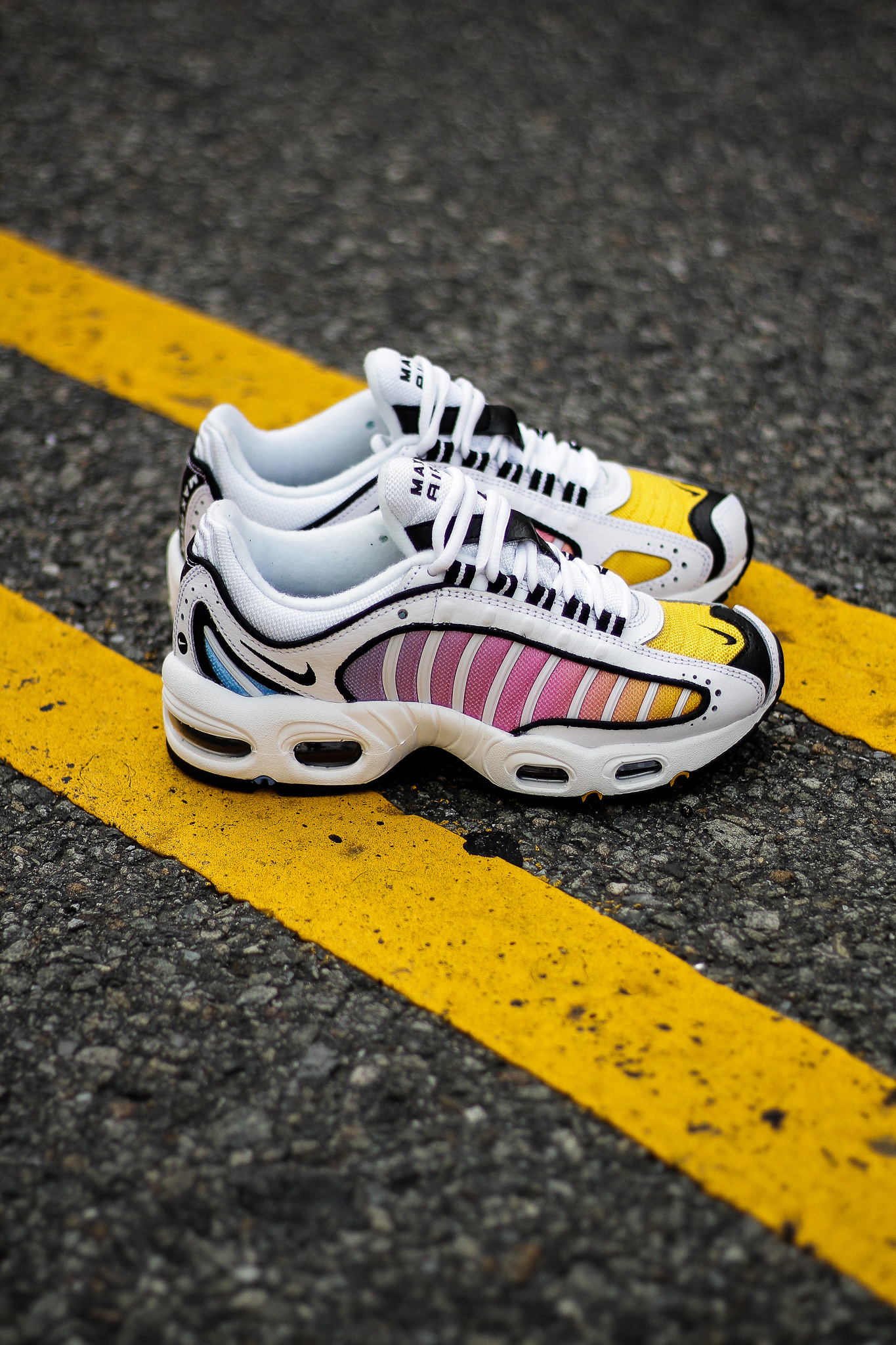Air Max Tailwind IV bright yellow