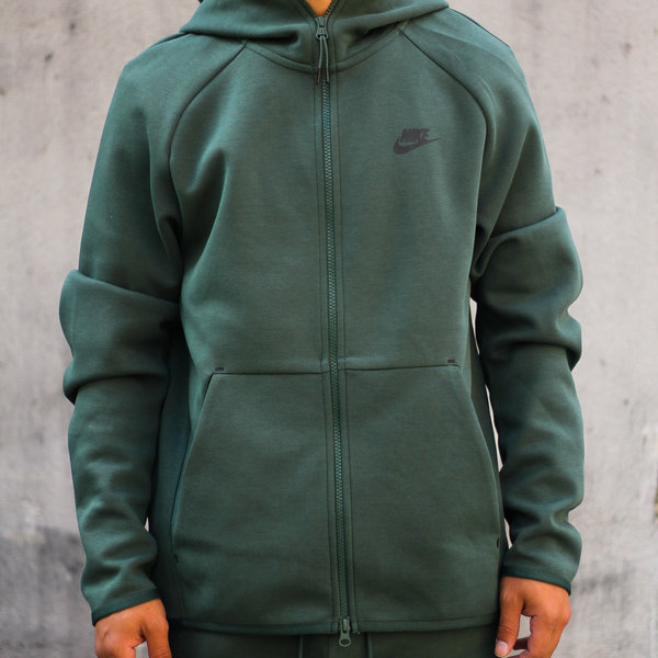 nike fleece zip