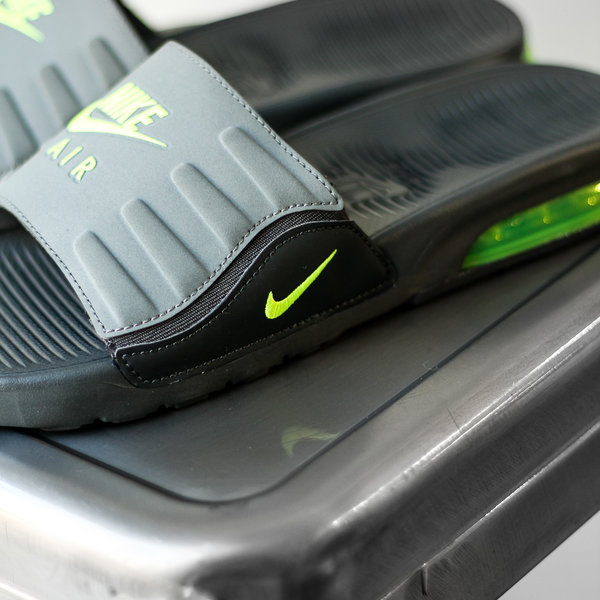 "NIKE AIR MAX CAMDEN SLIDE ""COOL GREY"""