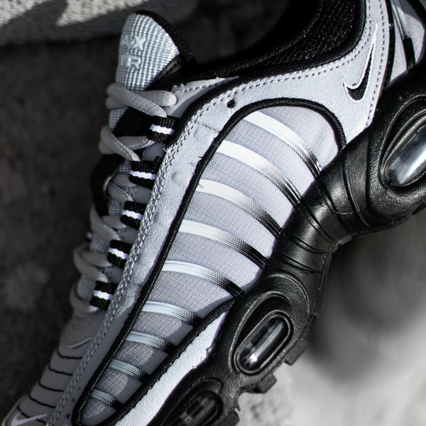 """NIKE AIR MAX TAILWIND IV """"COOL GREY/BLK"""""""