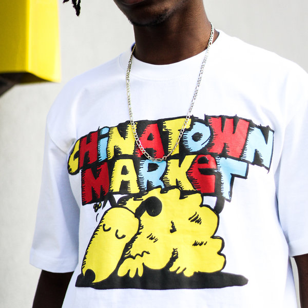 "CHINATOWN MARKET SLEEPING DOG TEE ""WHT"""