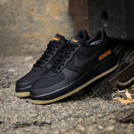 "NIKE AIR FORCE 1 ""GORE-TEX"""