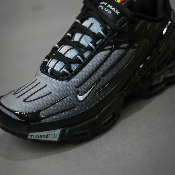 "NIKE AIR MAX PLUS III ""BLK/WOLF GREY"""