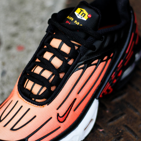 "NIKE AIR MAX PLUS III ""BLACK/PIMENTO"""