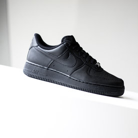 "NIKE AIR FORCE 1 (GS) ""BLACK"""