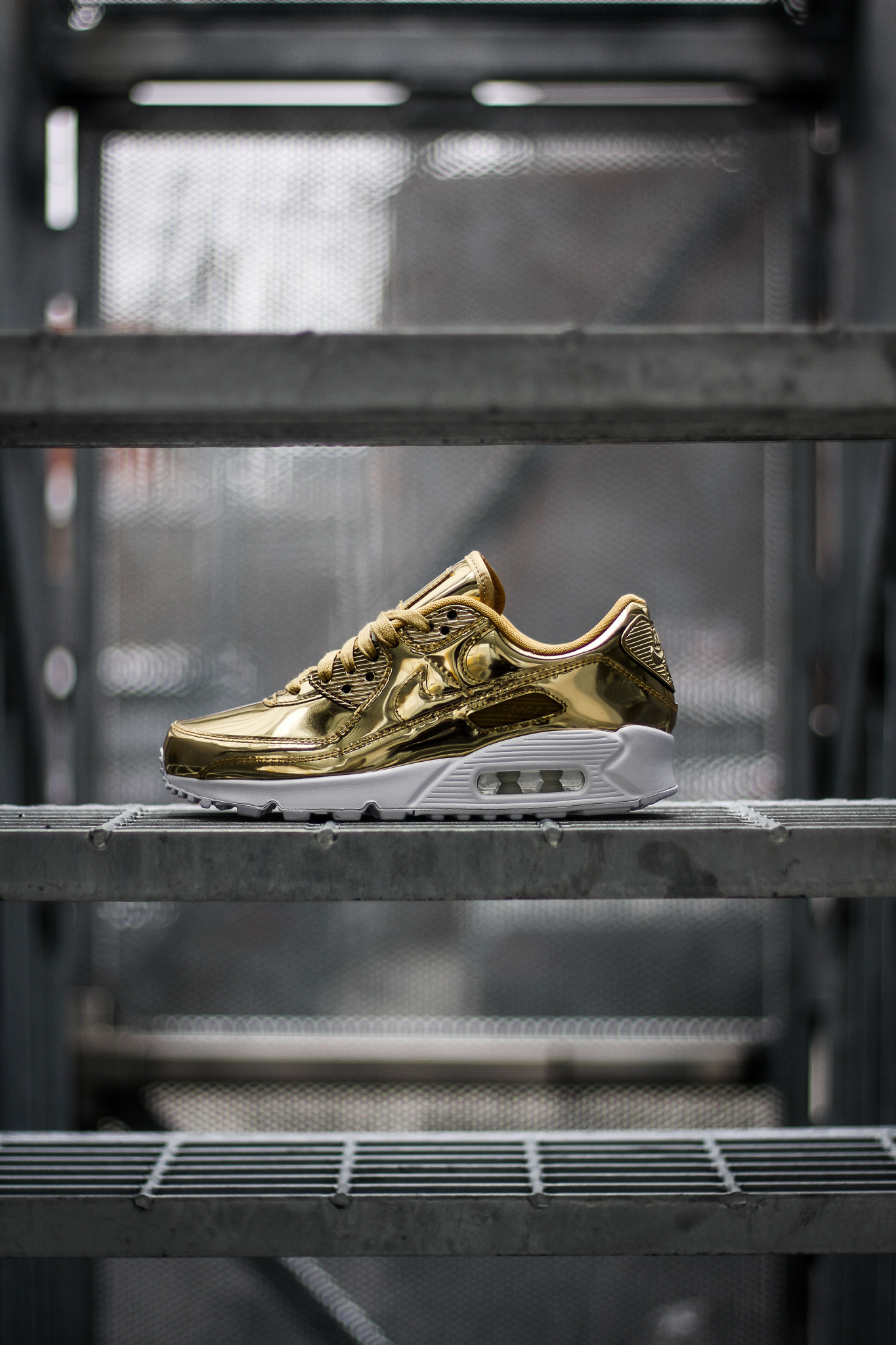 nike air max 90 womens shoes gold