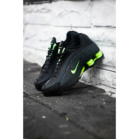 "NIKE NIKE SHOX R4 ""ANTHRACITE/GHOST GREEN"""