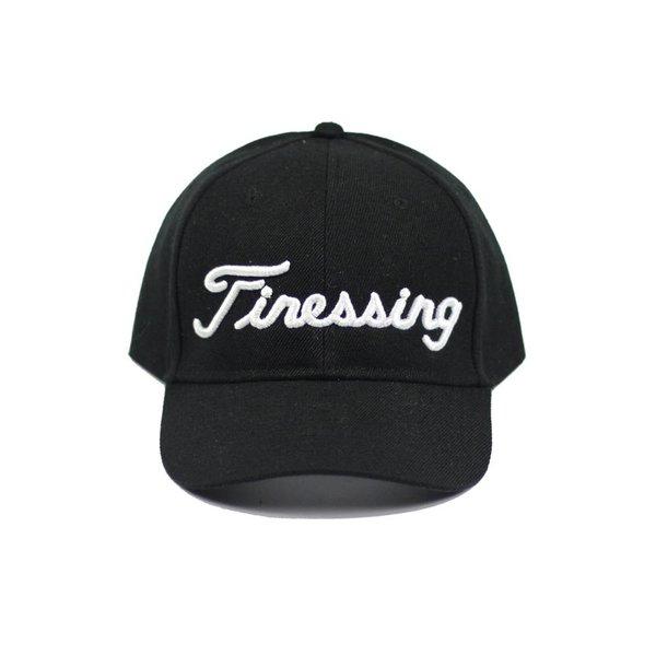 FINESSING - BLACK/WHITE