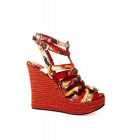 Coco Lee wedges with sweet chilli sauce