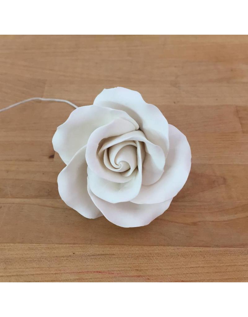 MEDIUM CLASSIC GARDEN ROSE SUGAR FLOWER