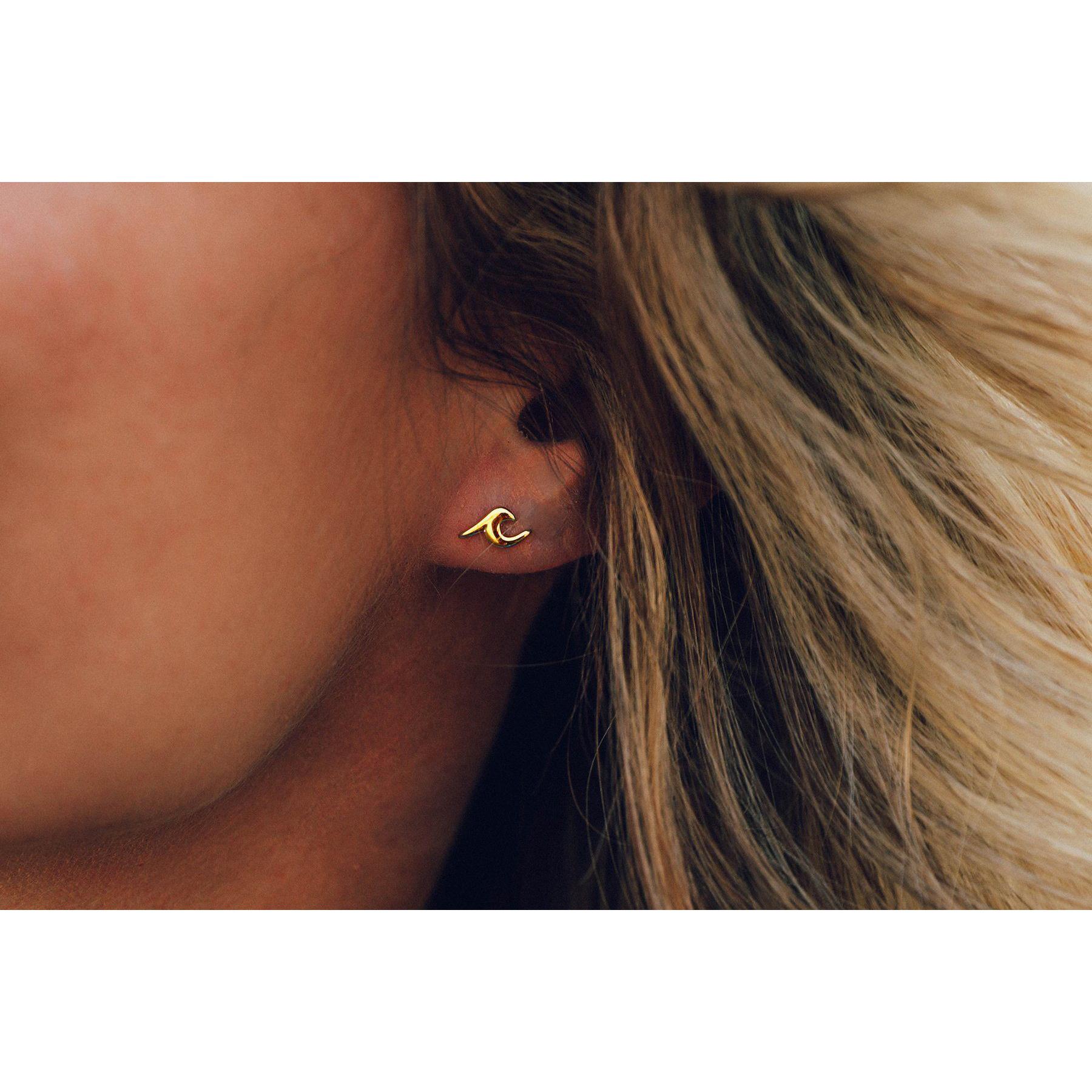 Puravida Wave Stud Earrings, Gold