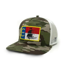 Manada NC Flag Pirate Ship Trucker, Camo/White