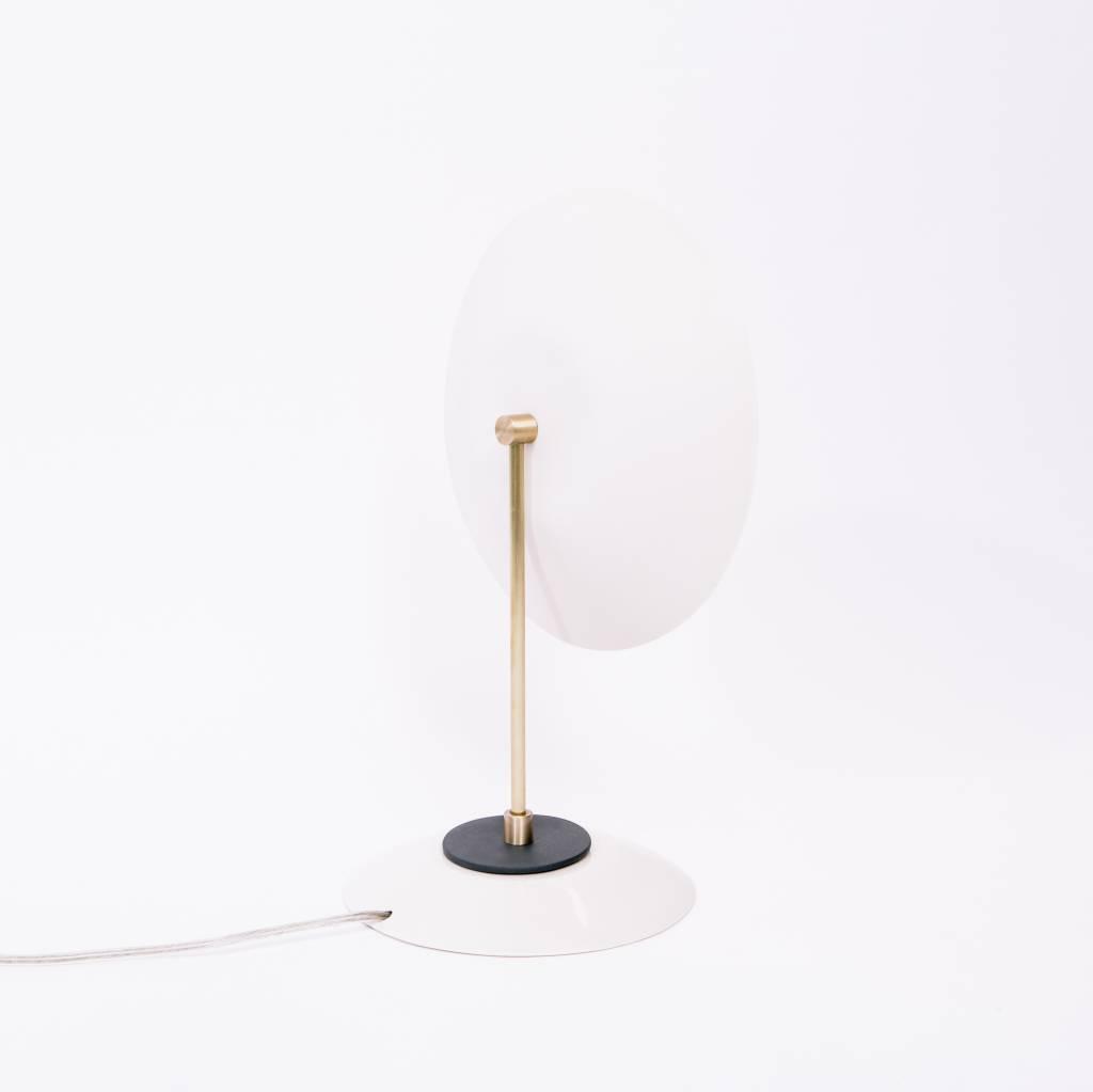 Sarah Cihat Reis Lamp (2018)