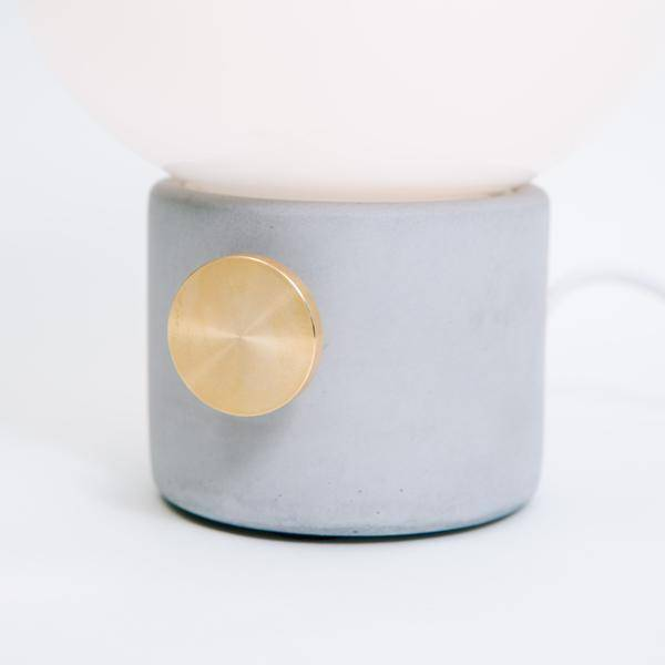 Menu JWDA Concrete Lamp, Light Gray/Brass