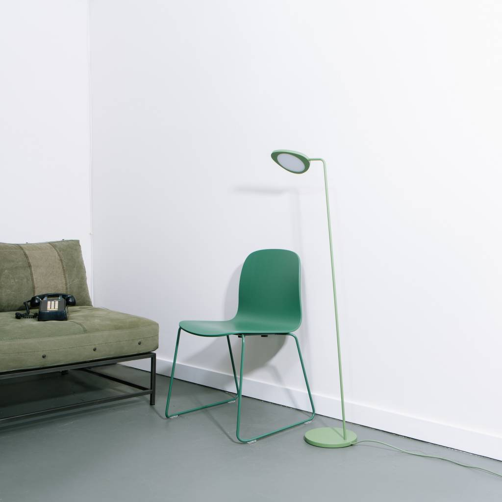 Muuto Leaf Floor Lamp