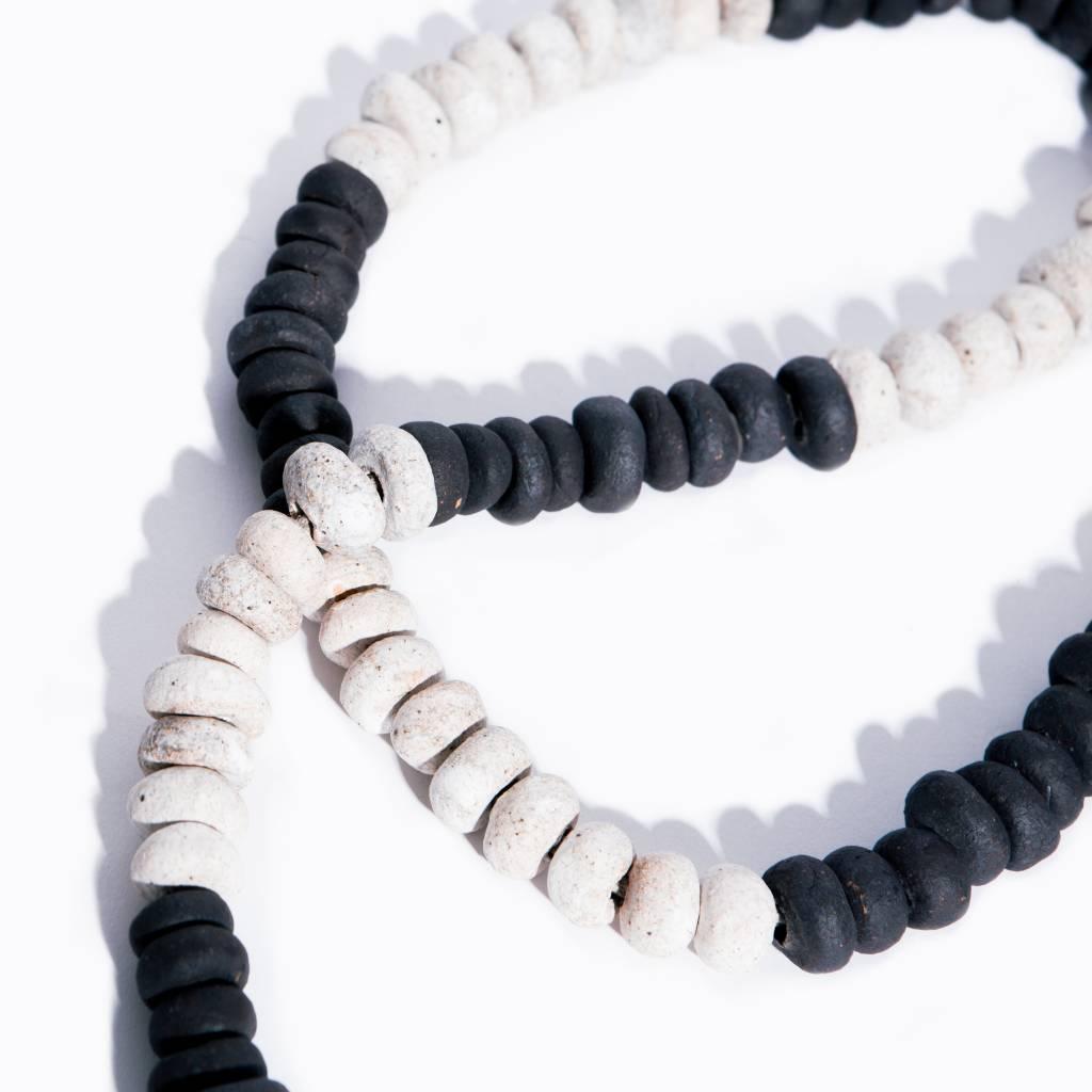 MQUAN Garland108: Black & White Press Beads