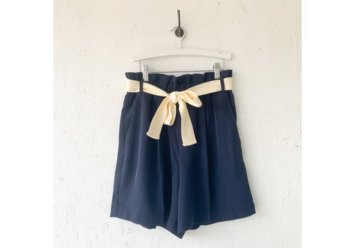 SOAKED IN LUXURY XSMALL - DERNIÈRE CHANCE - SHORT LEVY - MARINE