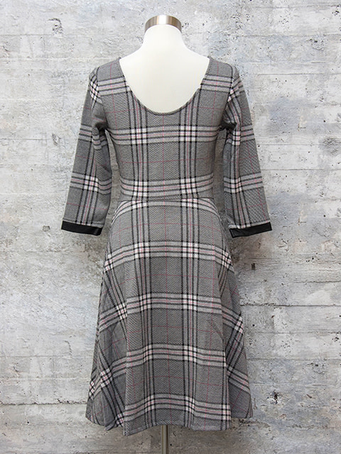 Leota Circle Dress 3/4 Sleeve Plaid Grey