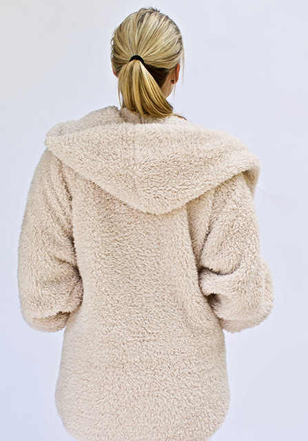 Nordic Beach Soft Body Wrap in Fluffy Frappe