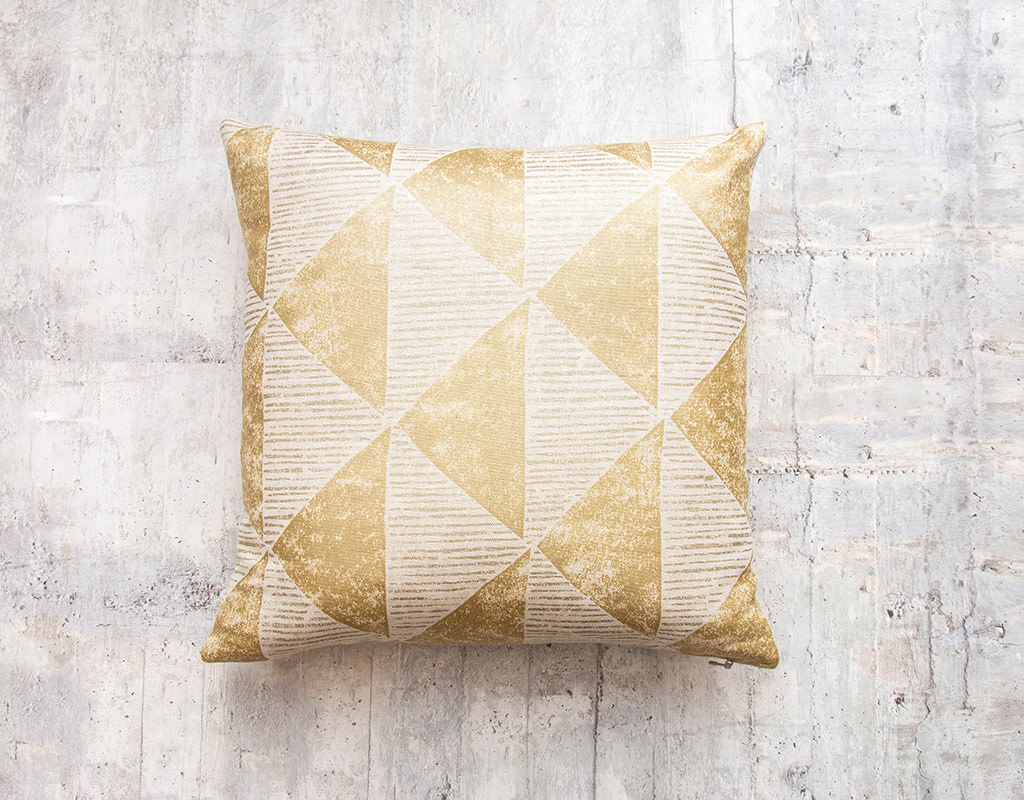 Kreatelier Triangle Pillow Gold 16 x 16in