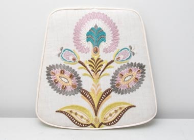 Embroidered boxed cushion