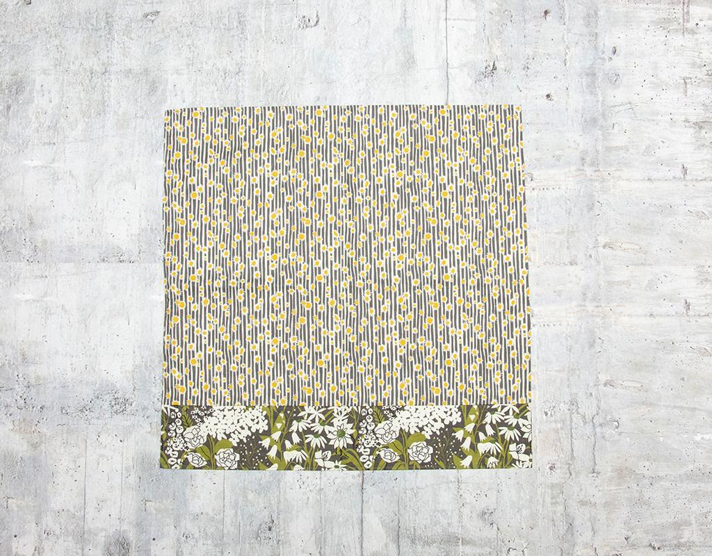 Maz Q's Reversible Napkin Sunflower Grey Set of 4