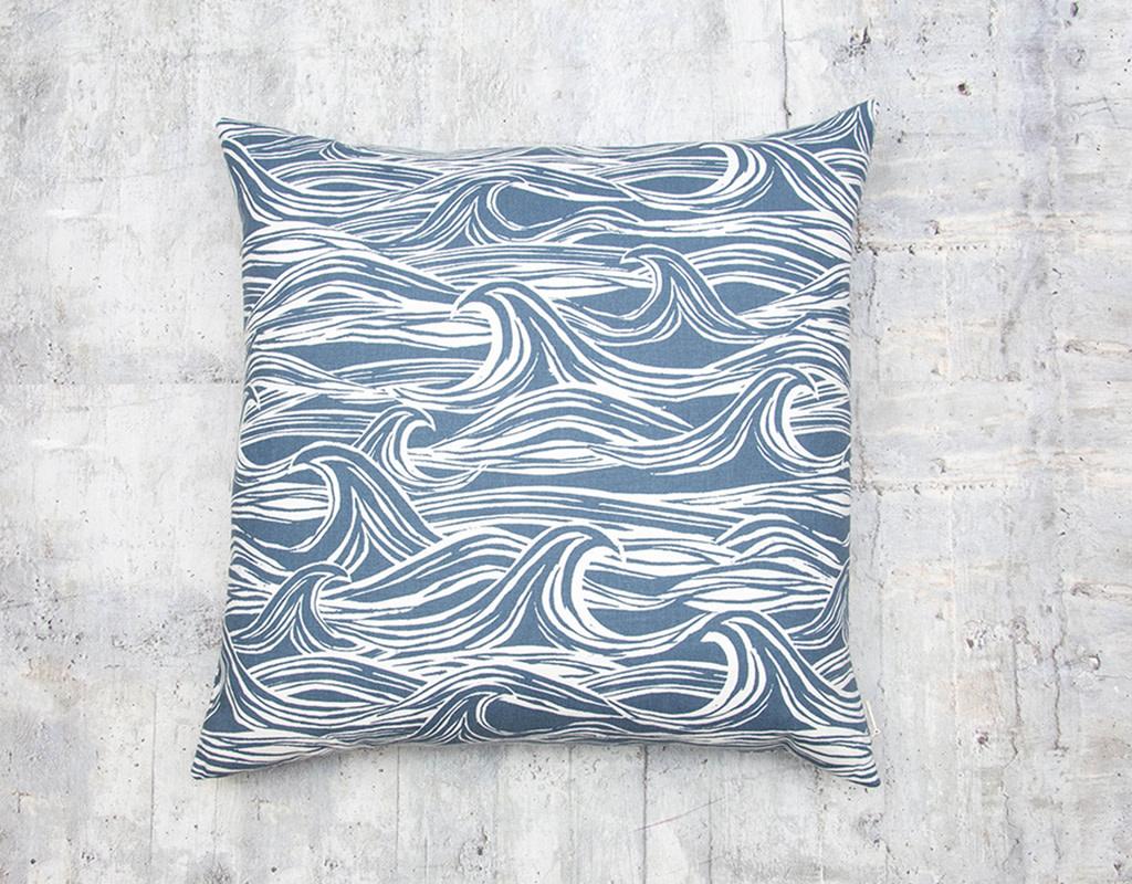 Kreatelier Surf Pillow in Navy 18 x 18in