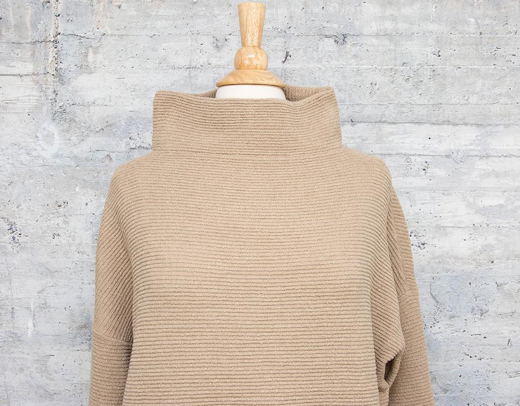 RD International Knit Sweater Irish Cream