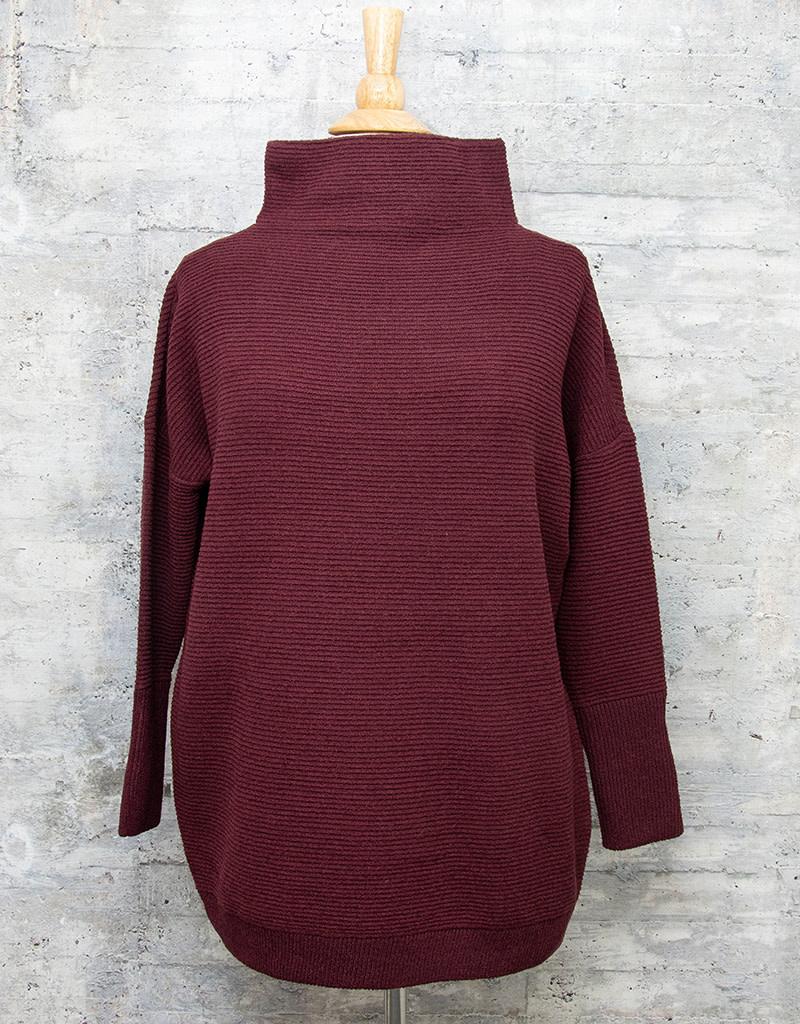 RD International Knit Sweater Bordeaux
