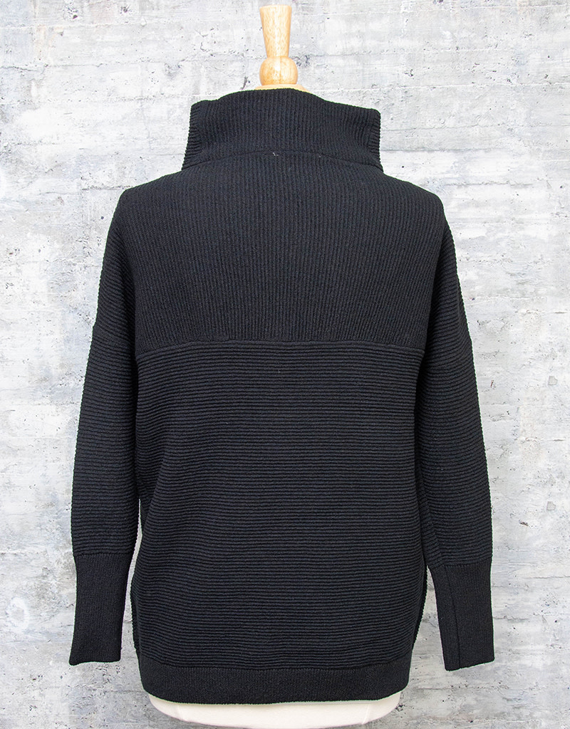 RD International Knit Sweater Black