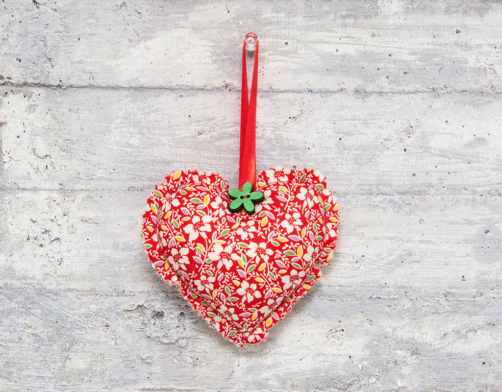 Kreatelier Fabric Heart Ornament Floral White and Red