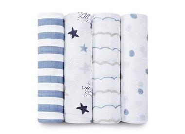 Swaddles & Plush Blankets