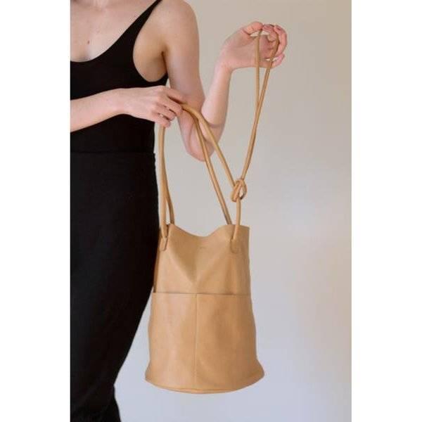 Are Studio Barrell Bag, Tan