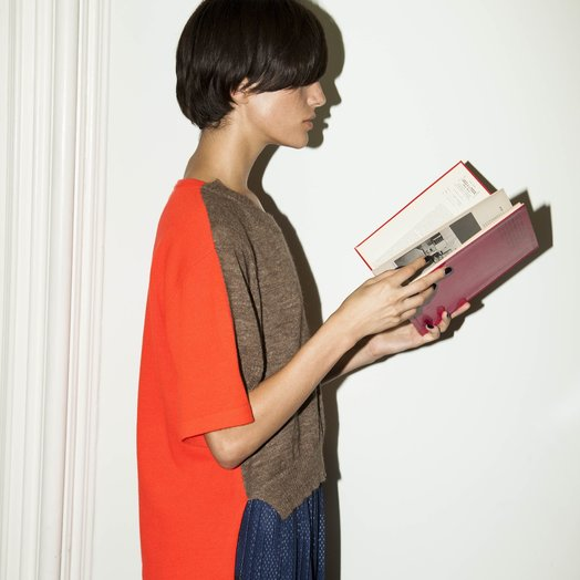 A Détacher Kirk Pullover, Taupe/ Red Fluo, Short Sleeve Two Tone Pullover Sweater