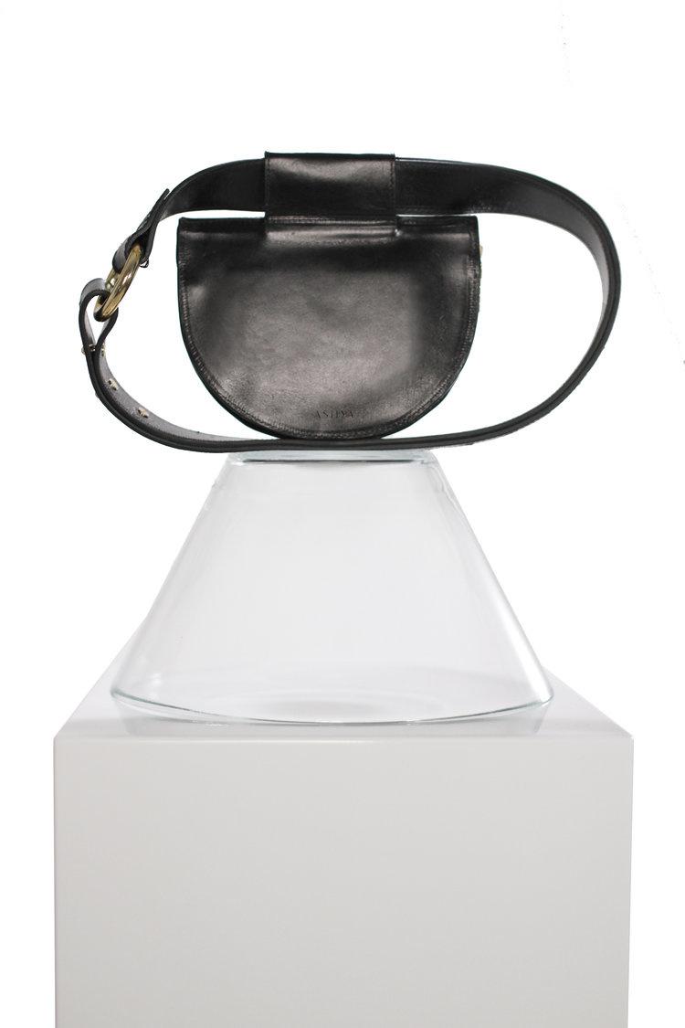 Ashya Palmetto Mini Belt Bag in Onyx