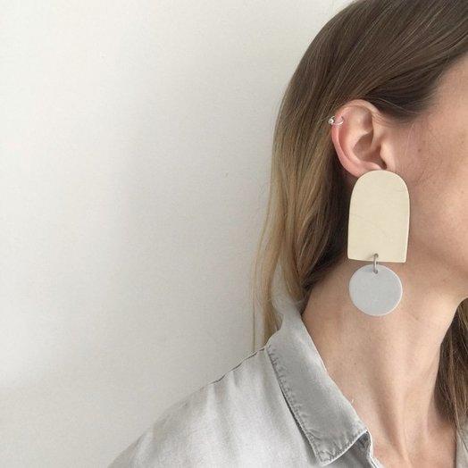 hello zephyr Pale Earrings