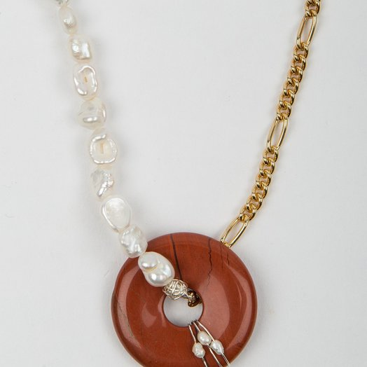 Wald Berlin Hotel Amour Necklace Figaro Chain and Pearls Red