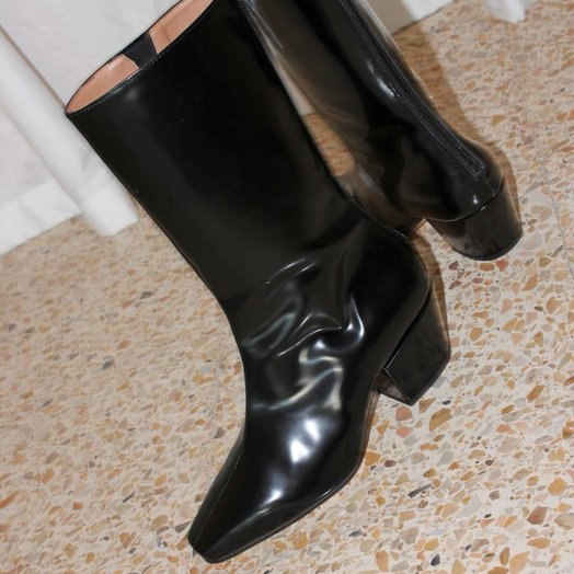 About Arianne Myrtle Boots, Black