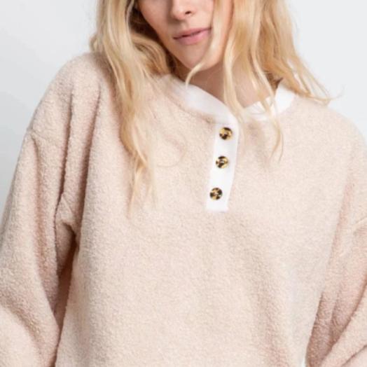 Donni Mini Sherpa Henley Sweatshirt, Creme