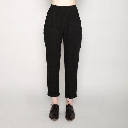 7115 by SZEKI Signature relaxed Tapering Trouser, Black