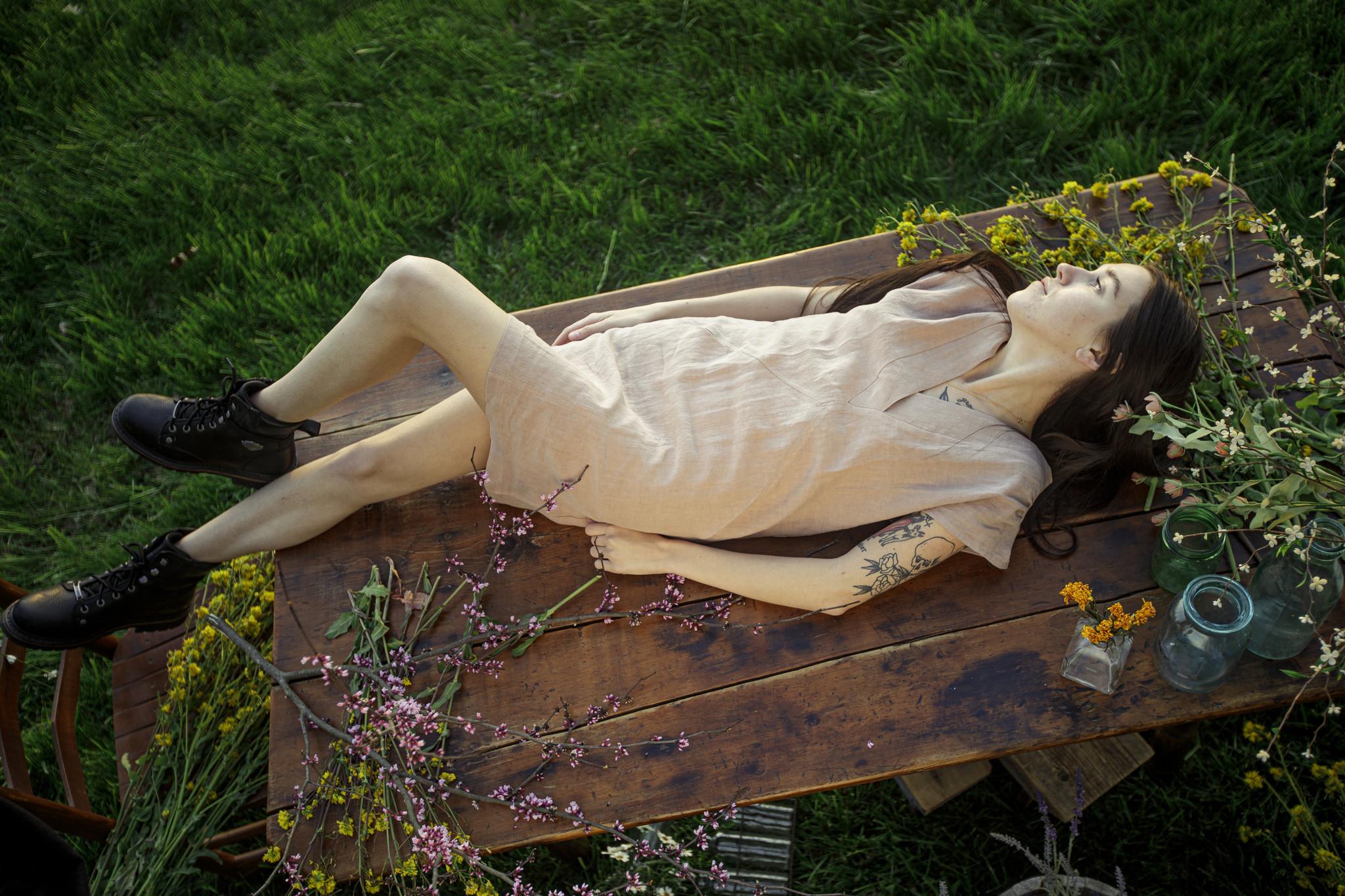 Eve Gravel Moss Rose Dress, Nutmeg