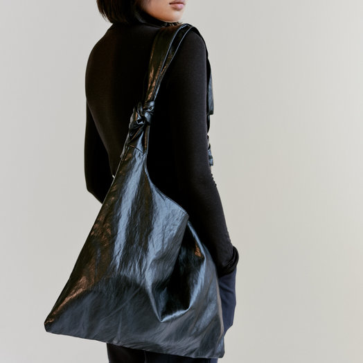 Mijeong Park Ollie Bag. Black