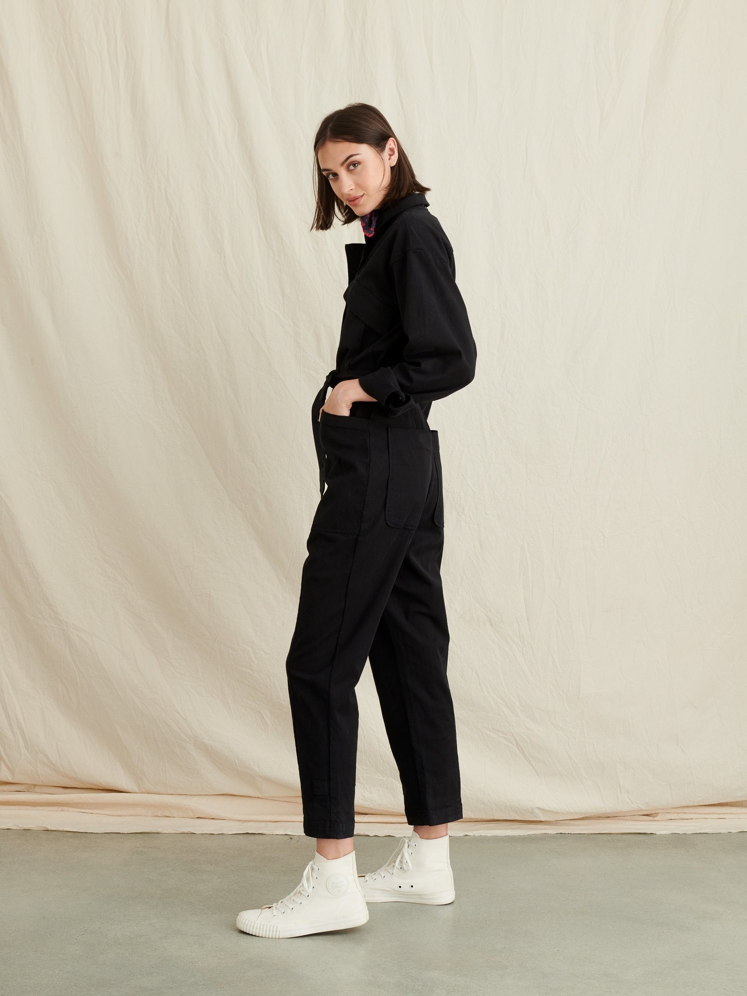 Alex Mill Expedition Jumpsuit in Washed Twill, Black