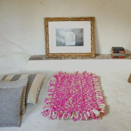 Mexchic Wool Chunky Loop Hand Woven Boucle Throw Rug in Cream and Pink PALOMITA