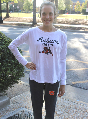 Under Armour S19 Script Auburn Tigers Leaping Tiger Ladies Long Sleeve T-Shirt