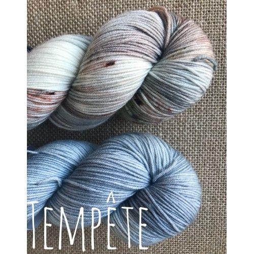 Kit prêt-à-tricoter Ambient sweater par Eri - PRE vente